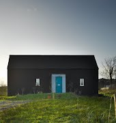 This tiny house in Leitrim took just €25,000 – and 50 days – to build