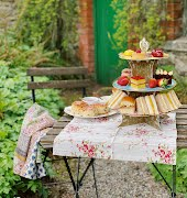 How to elevate your picnic game, according to the Vintage Tea Trips team